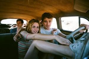 3 mensen in een auto